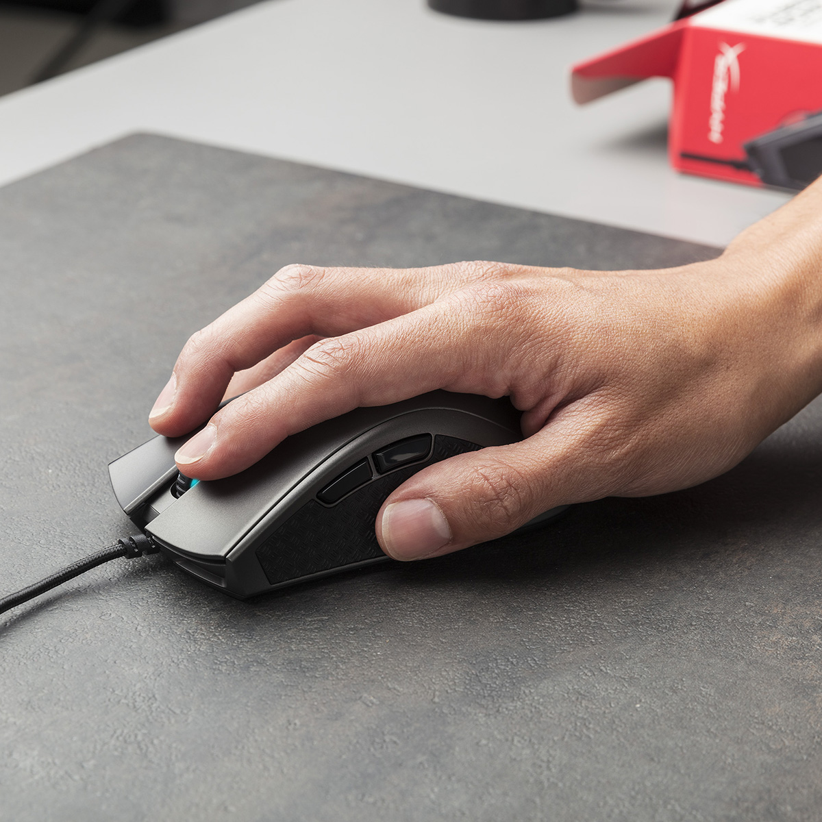 hyperx pulsfire fps pro gaming mouse